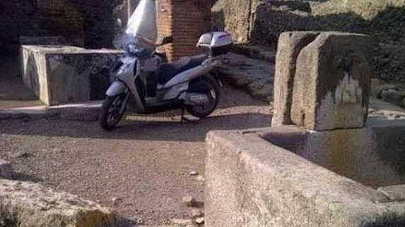 scooter pompei